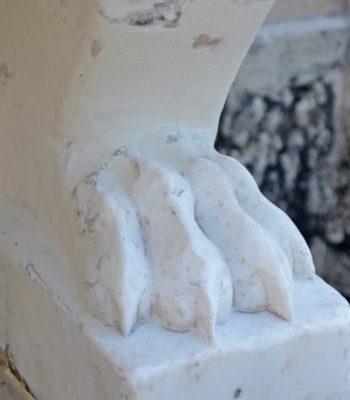 """Vasca seicentesca catacomba di Domitilla. Intervento di pulitura a impacco, consolidamento e stuccatura per la conservazione di una vasca in marmo risalente al '600. [wp-svg-icons icon=""""search-2"""" wrap=""""h1""""]"""
