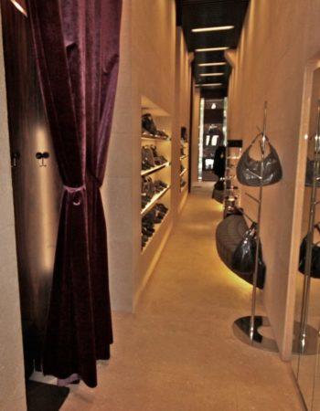 """Damiani Marmi realizza tutti gli interni della boutique Life Barboni di Latina. [wp-svg-icons icon=""""search-2"""" wrap=""""h1""""]"""